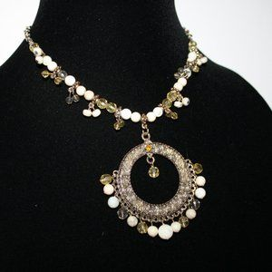 White and gold vintage necklace- beautiful